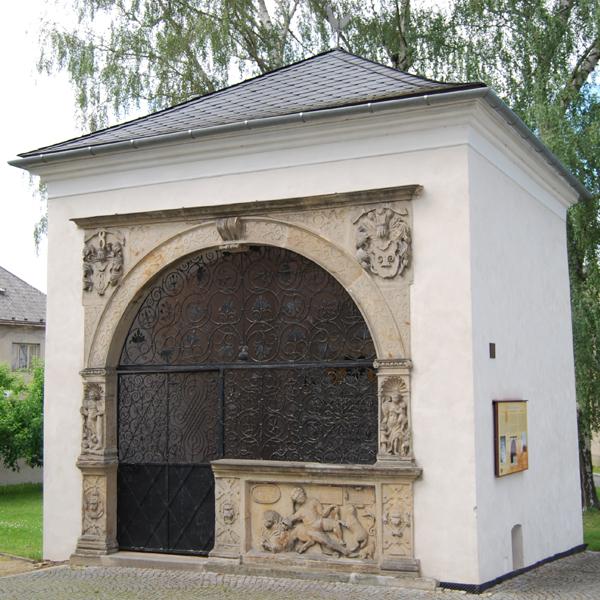 Hrobka Bukůvků v Postřelmově